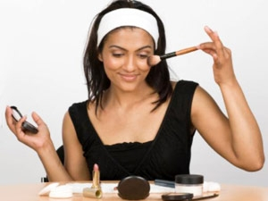 Makeup Plays Vital Role In Women Lives Aid