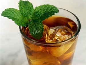 Drinking Iced Tea Raises Kidney Stone Risk