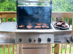 How To Clean An Outdoor Gas Grill 002852