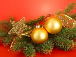 Traditional Ways Decorate Christmas