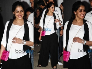 Pregnant Genilia D Souza At Ek Villain Special Screening 006110 Pg