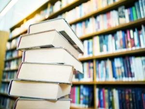 5 Ways Organise Your Book Shelf