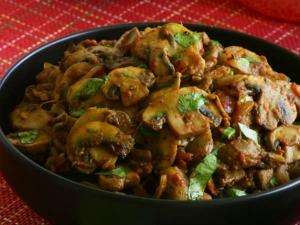 Mushroom Poriyal