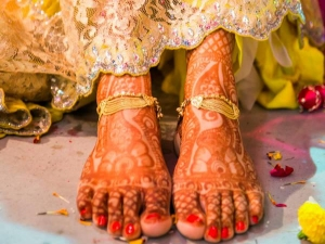 How Look Stylish On Your Mehendi Ceremony