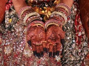 Mehendi Celebration Before Marriage 008998