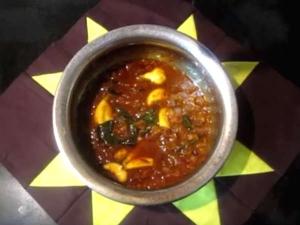 Poondu Kuzhambu Recipe