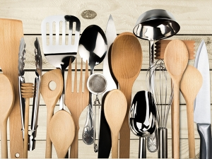 Tips Clean Wooden Kitchen Utensils Tamil