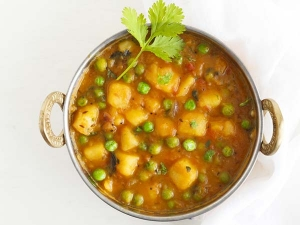 Aloo Matar Potato Peas Curry