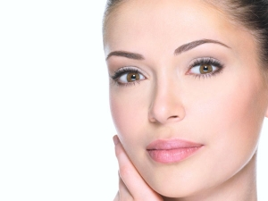 What Happens When You Apply Pomegranate Peel On Your Skin