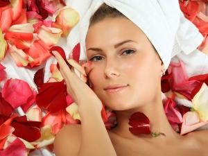 Homemade Rose Scrub Treat Skin Tan During Summer