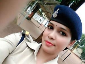 Married Off At Age 17 Filed Divorce At 22 The Story 25 Yo Dsp Anita Prabha