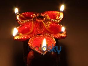 Prosperity Diya Lamp Aka Agal Vilakku