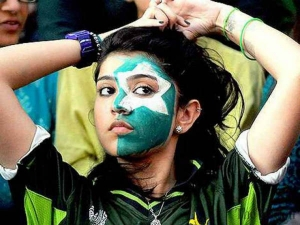 Different Times Indians Were Blown By Pakistani Beauties During Cricket