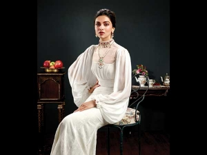 Deepika Padukone S Latest Royal Shoot Tanishq Is Mind Blowing
