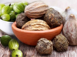 Triphala Benefits For Digestive Wellness This Monsoon