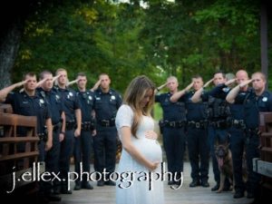 Emotional Maternity Photo Shoot Which Goes Viral