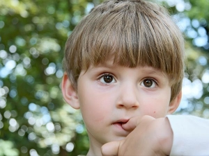 How Stop Kids Nail Biting Habit