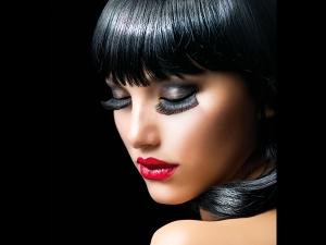 False Eye Lashes May Damage Your Eye