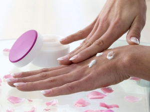 Effective Home Remedies Dry Hands Get Rid Wrinkles