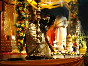Real Incident A Girl Who Caught Her Boy Friend As Groom
