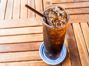 10 Shocking Side Effects Drinking Soda