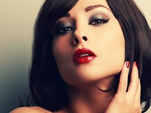 Create High Cheekbones Makeup Tips