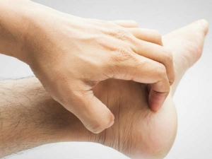 Simple Remedies For Itchy Feet