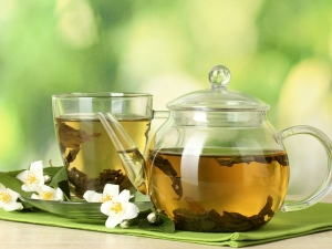 Can You Drink Too Much Green Tea