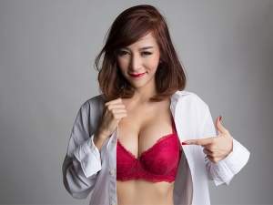 Effective Home Remedies For Sagging Breasts