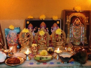 Puja Room Vastu Tips And God Idols Are Auspicious To Be Kept In Home In Tamil