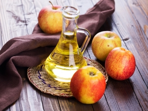 Apple Homemade Face Packs For Glowing Skin