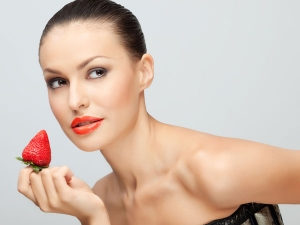 Eat Red Fruits For Healthy Heart