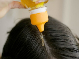 Why Honey Deserves A Place In Your Hair Care Routine