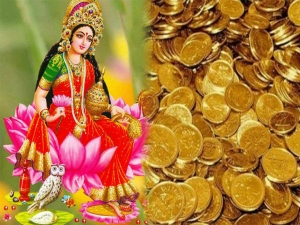 Lighting Diyas In These Ways Will Attract Goddess Lakshmi