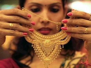 Vaastu Reasons Selling Gold Jewellery Attracts Unhappiness