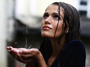 Hair Care Tips After Getting Drenched In Rain