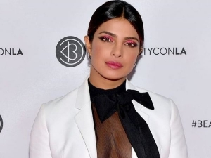 Priyanka Chopra Neon Pink Eye Makeup Look At Beautycon La