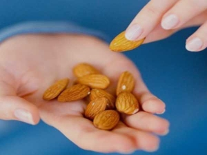 How Many Almonds You Should Eat To Lower Blood Sugar Levels