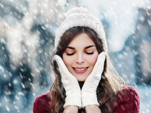 Home Remedies To Pamper Your Skin This Winter