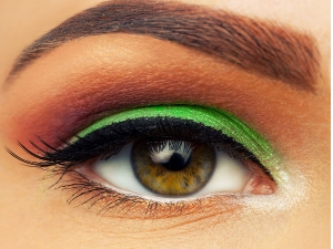 Make Up Rules To Follow If You Wear Contact Lenses