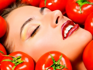 How To Use Tomato For Oily Skin