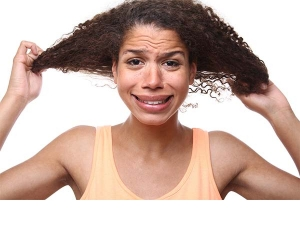 Does Your Hair Become Oily And Sticky In Winter Here S How You Can Fix Them Up