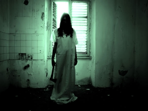 Signs That Will Tell If You Are Living In A Haunted House