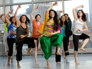 Masala Bhangra This Desi Dance Is Apt For Weight Loss Withoout Dieting