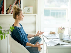 Working From Home Meditate Your Mind And Body Through Essential Oils