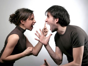 Healthy Ways To Avoid Controlling Your Relationship