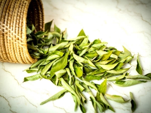 Reasons To Add Curry Leaves To Your Diet