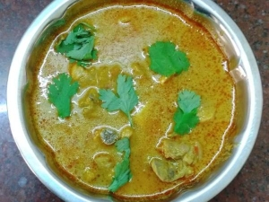 Chicken Getti Kulambu Recipe In Tamil