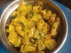 Tasty Yellow Pumpkin Poriyal Recipe In Tamil