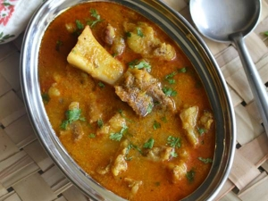 Madurai Style Mutton Salna Recipe In Tamil